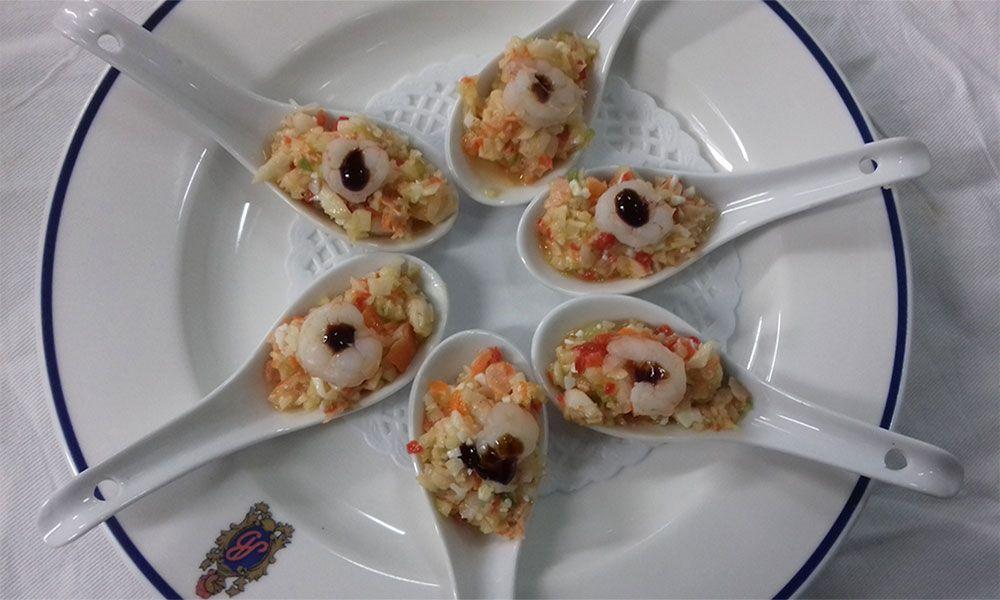 Cucharitas de salpicon de marisco